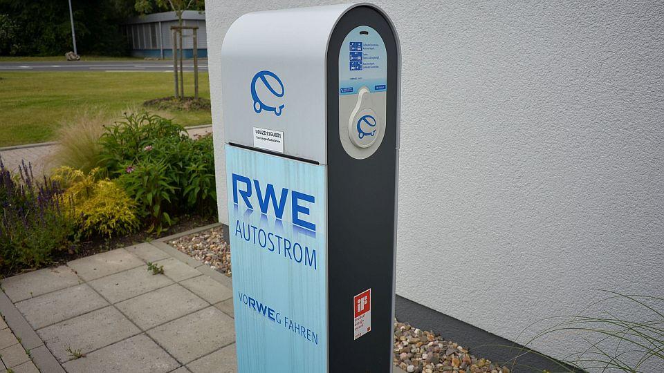 FDP fordert schnellen Ausbau der Ladesäulen für Elektrofahrzeuge